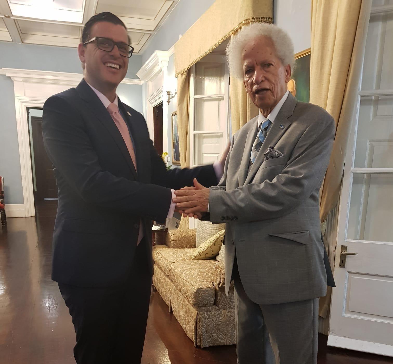 Reunion-con-el-Gobernador-General-e1573651177686.jpeg